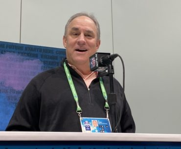 Broncos head coach Vic Fangio